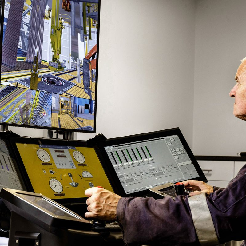 On The Rig (OTR) drilling, well control and crane training simulator