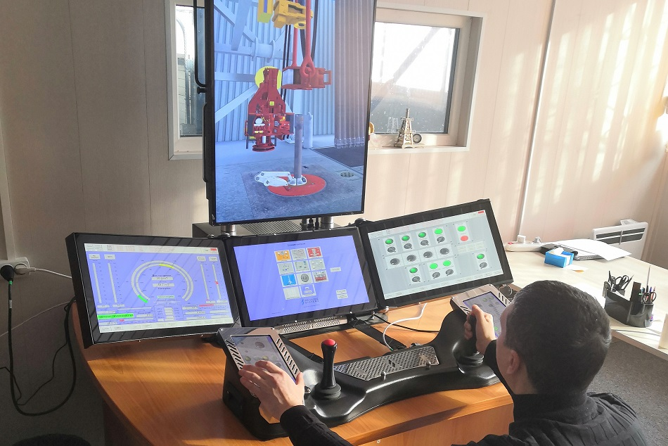 An SSK employee undergoing training on the On The Rig (OTR) simulator